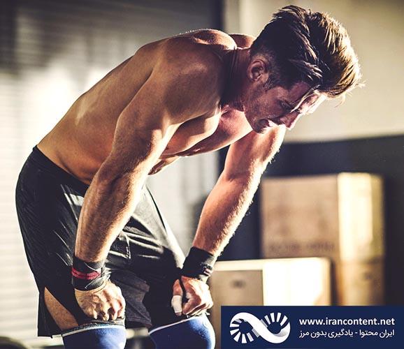 استراحت و روزهای استراحت در برنامه ورزشی بسیار مهم هستند. افزایش قدرت و رشد عضلانی در زمان استراحت و خواب تمرین ورزشی وزنه عضله ریکاوری ورزشی برنامه تمرینی - روز استراحت در بدنسازی - چند روز در هفته باید بدنسازی رفت
