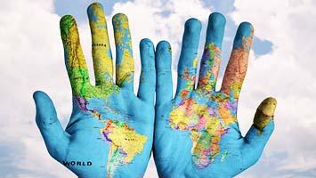 جهانی شدن یا همان جهانی سازی به معنای تولید کالا و صادرات کالا توسط کل جهان به کل جهان با توجه به قوانین بین الملل می باشد. مطلب دارای ویدیو و اینفوگرافیک