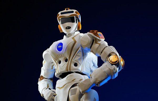8 ربات هوش مصنوعی بسیار مدرن و خَفَن که تا الان تولید شده. ربات های هوش مصنوعی